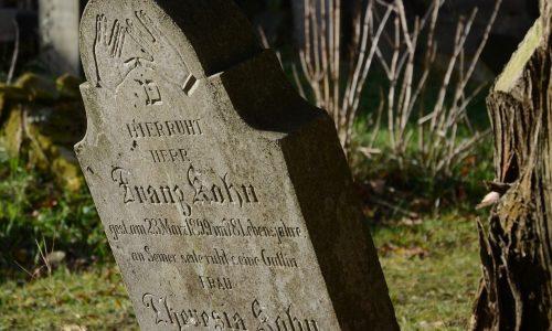 cemetery-2984326_1920