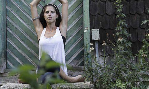 yoga076